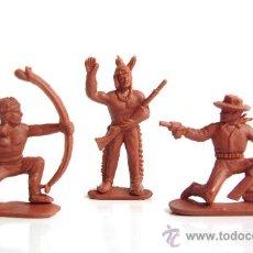Figuras de Goma y PVC: SOTORRES DOS INDIOS Y UN VAQUERO PEQUEÑOS REF. 106-107-108. Lote 218833306