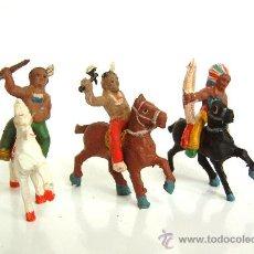 Figuras de Goma y PVC: TRES INDIOS A CABALLO ALCA-CAPELL. Lote 37284744