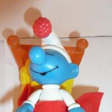 Figuras de Goma y PVC: PITUFO DORMILON SONAMBULO Y CAMA .PEYO 2002. MC DONALDS.SMURF. BELGICA. Lote 37322199