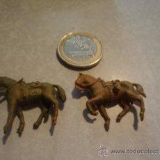 Figuras de Goma y PVC: DOS CABALLOS CABALLITOS VAQUEROS (DEL OESTE). DESCONOZCO LA COLECIÓN. Lote 37345248