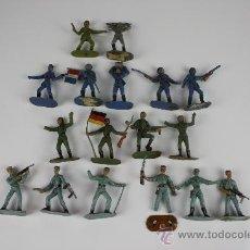 Figuras de Goma y PVC: GRAN LOTE DE SOLDADOS COMANSI EN PVC DE LA SERIE EJÉRCITOS DEL MUNDO - AÑOS 70. Lote 37760646