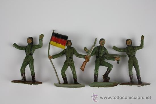 Figuras de Goma y PVC: GRAN LOTE DE SOLDADOS COMANSI EN PVC DE LA SERIE EJÉRCITOS DEL MUNDO - AÑOS 70 - Foto 5 - 37760646
