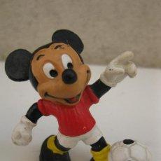 Figuras de Goma y PVC: MICKEY MOUSE FUTBOLISTA - FIGURA DE PVC - WALT DISNEY - BULLY.. Lote 38230834