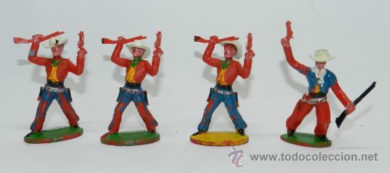 4 VAQUEROS DE SOTORRES, SOMBRERO DESMONTABLE, FABRICADOS EN PLASTICO, MIDEN 6,5 CMS. (Juguetes - Figuras de Goma y Pvc - Sotorres)
