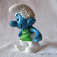 Figuras de Goma y PVC: PITUFO CARRETILLA (SIN CARRETILLA) - FIGURA PVC - SCHLEICH-PEYO - AÑOS 80. Lote 38321366