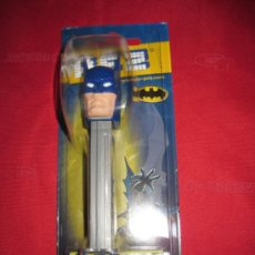 Dispensador Pez: DISPENSADOR CARAMELOS PEZ BATMAN DC BLISTER NUEVO. Lote 213338763