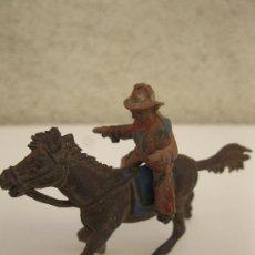 Figuras de Goma y PVC: ANTIGUA FIGURA ORIGINAL DE GOMA - PISTOLERO A CABALLO - JECSAN - AÑOS 50.. Lote 38699751