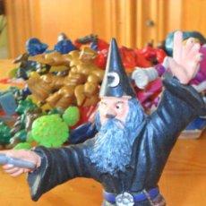 Figuras de Goma y PVC: FIGURA PVC, MAGO , BULLY. Lote 39073836