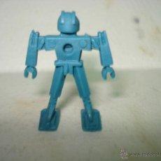 Figuras de Goma y PVC: ANTIGUA FIGURA DE ROBÓT DE PLASTICO . PIPERO DE LOS AÑOS 1980. Lote 39410892