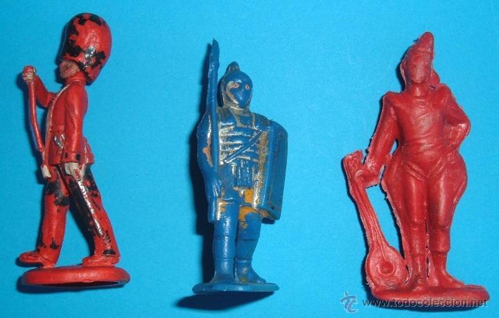 TRES FIGURAS DE PLASTICO. MARCAS VARIADAS. PAYASO DEL CIRCO JECSAN, Y OTROS DE TIMPO, PIPERO. (Juguetes - Figuras de Goma y Pvc - Lafredo)