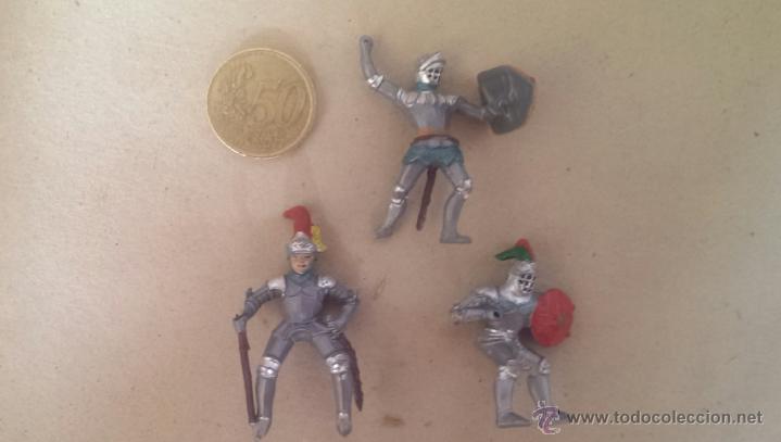 FIGURAS (3) PLASTICO MEDIEVALES (Juguetes - Figuras de Goma y Pvc - Otras)