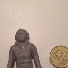 Figuras de Goma y PVC: FIGURA PLASTICO PERSONAJE LUNAR. Lote 39819647