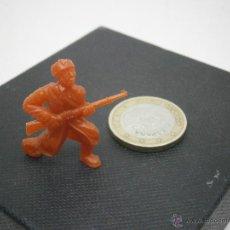 Figuras de Borracha e PVC: FIGURITA DUNKIN SOLDADO RUSO 8. Lote 39916438