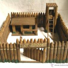 Rubber and PVC Figures - Fort Fuerte Arizona de Reamsa, troncos de madera, poco jugado años 50. Med. 35 x 35 x 18 cm - 40062378