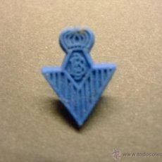 Figuras de Goma y PVC: PIN DE PLASTICO PIPAS CHURRUCA ESCUDO. Lote 40971432