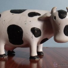 Figuras de Goma y PVC: FIGURA PVC GOMA DURA VACA CROMOSOMA - YOLANDA. Lote 41657787