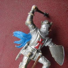 Figuras de Goma y PVC: REY CRUZADO CON MAZA Y ESCUDO - BRITAINS. Lote 41466705