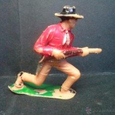 Figuras de Goma y PVC: VAQUERO DISPARANDO DE JECSAN. Lote 42373868