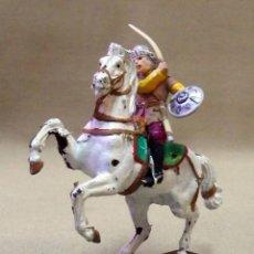 Figuras de Goma y PVC: FIGURA DE PLASTICO, PINTADAS A MANO, HUNOS, A CABALLO, ITALERI. Lote 42548961
