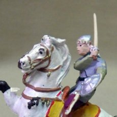 Figuras de Goma y PVC: FIGURA DE PLASTICO, PINTADAS A MANO, HUNOS, A CABALLO, ITALERI. Lote 42548987