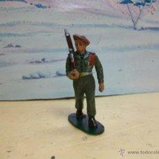 Figuras de Goma y PVC: FIGURA DESFILE DE COFALU STARLUX SERIE PARACAIDISTAS - PARACAIDISTA MODELO GOMARSA. Lote 42641229