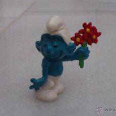 Figuras de Goma y PVC: PITUFO CON RAMO DE FLORES PEYO W. GERMANY SCHLEICH. Lote 42700377
