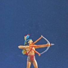 Figuras de Goma y PVC: INDIO DE TEIXIDO, ANTIGUO, CON ARCO.. Lote 43306654