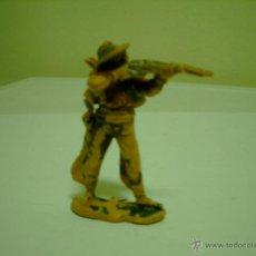 Figuras de Goma y PVC: FIGURA VAQUERO DISPARANDO REAMSA. Lote 43444393