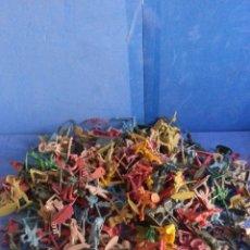 Figuras de Goma y PVC: GRAN LOTE DE FIGURAS DE PLASTICO PIPERAS MONOCOLOR. Lote 43685654