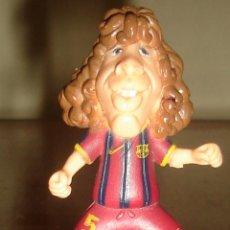 Figuras de Goma y PVC: FIGURA EN PVC. PUYOL, JUGADOR DEL BARCELONA.. Lote 43901562