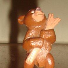 Figuras de Goma y PVC: KODA, DE LA PELÍCULA HERMANO OSO. DISNEY. PROMOCIÓN NESTLÉ. ARTICULADA. 65 MM. Lote 43989631
