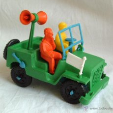 Figuras de Goma y PVC: SOTORRES,AUTO JEEP CARRERA CICLISTA.REF.2820. Lote 57389192