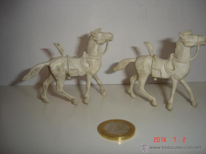 Figuras de Goma y PVC: LOTE DE TRES CABALLOS COMANSI - Foto 2 - 44088936