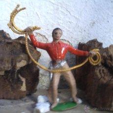 Figuras de Goma y PVC: VAQUERO DE COMANSI EL LAZO ES DEFECTO DE FRABRICACION. Lote 44275628