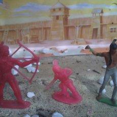 Figuras de Goma y PVC: TRES INDIOS PIPEROS. Lote 44828332