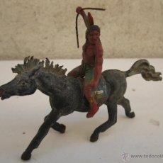 Figuras de Goma y PVC: ANTIGUO INDIO A CABALLO DE GOMA ORIGINALES DE JECSAN - AÑOS 50.. Lote 44844600