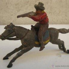 Figuras de Goma y PVC: ANTIGUO PISTOLERO A CABALLO DE GOMA ORIGINALES DE JECSAN - AÑOS 50.. Lote 44844816
