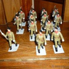 Figuras de Goma y PVC: 13 SOLDADOS BATALLON DE PARACAIDISTAS ESPAÑOLES DESFILANDO DE REAMSA GOMARSA SOLDIS 70. Lote 46292858
