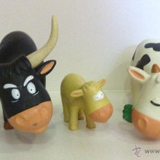 Figuras de Goma y PVC: LOTE 3 FIGURAS TORO VACA TERNERO FIGURA PLASTICO DURO . Lote 44951774