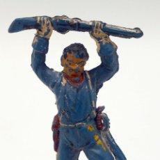 Figuras de Goma y PVC: FEDERAL CON FUSIL LEVANTADO PECH HERMANOS GOMA AÑOS 50. Lote 45051663