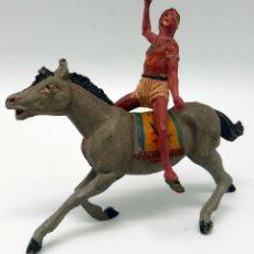 Figuras de Goma y PVC: INDIO A CABALLO PECH HERMANOS CON LANZA GOMA AÑOS 50. Lote 45051800