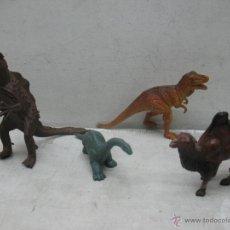 Figuras de Goma y PVC: LOTE DE TRES DINOSAURIOS Y CAMELLO DE PLÁSTICO. Lote 45080053