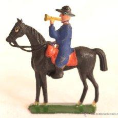 Figuras de Goma y PVC: ALCA CAPELL CABALLERIA AZULES CORNETA. Lote 53730315