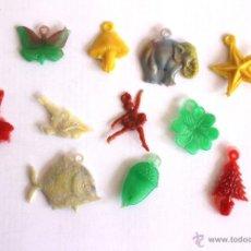 Figuras de Goma y PVC: 12 COLGANTES EN PLÁSTICO PARA PULSERAS MUÑECAS. Lote 45095515