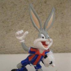 Figuras de Goma y PVC: BUGS BUNNY - HINCHA DEL F.C. BARCELONA - FIGURA DE PVC - LOONEY TUNES - WARNER BROS. - STAR TOYS.. Lote 45314178
