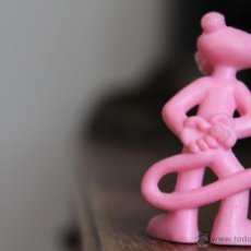 Figuras de Goma y PVC: MUÑECO PANTERA ROSA 5,5 CM. Lote 45661708