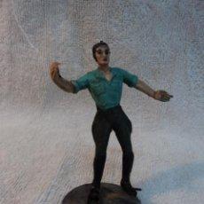 Figuras de Borracha e PVC: ANTIGUA FIGURA EN GOMA Y ALAMBRE DE ARCLA CAZADOR ORIGINAL AÑOS 50 CON BASE. Lote 46234218