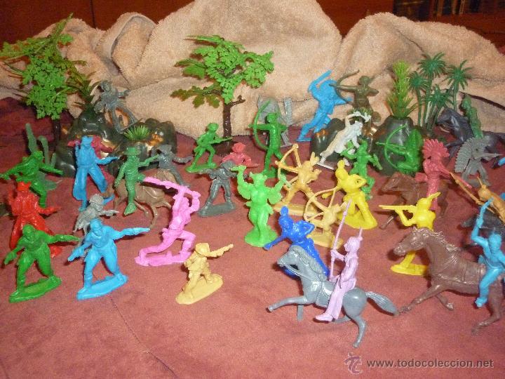 Figuras de Goma y PVC: LOTE 42 FIGURAS DE INDIOS Y VAQUEROS AMERICANOS,ALGUNOS CON CABALLO-MONOCROMÁTICOS-REBAJADOS!! - Foto 3 - 46294814