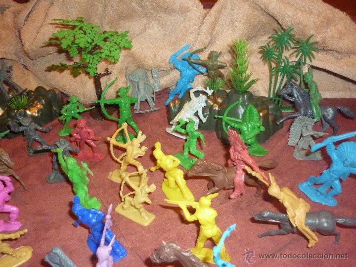 Figuras de Goma y PVC: LOTE 42 FIGURAS DE INDIOS Y VAQUEROS AMERICANOS,ALGUNOS CON CABALLO-MONOCROMÁTICOS-REBAJADOS!! - Foto 4 - 46294814