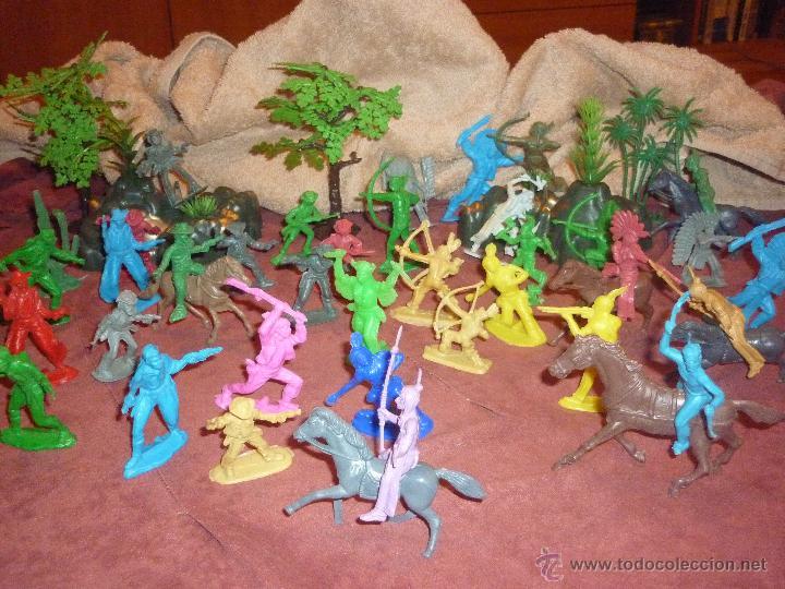 Figuras de Goma y PVC: LOTE 42 FIGURAS DE INDIOS Y VAQUEROS AMERICANOS,ALGUNOS CON CABALLO-MONOCROMÁTICOS-REBAJADOS!! - Foto 6 - 46294814